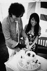 Hochzeitsfotograf Brautpaar Torte