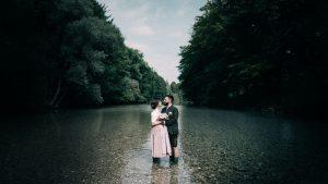 Hochzeitsfotograf Salzkammergut, Hochzeitspaarshooting in der Alm